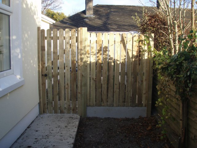 Round Top Picket Gate & Hit & Miss Panel Raheny