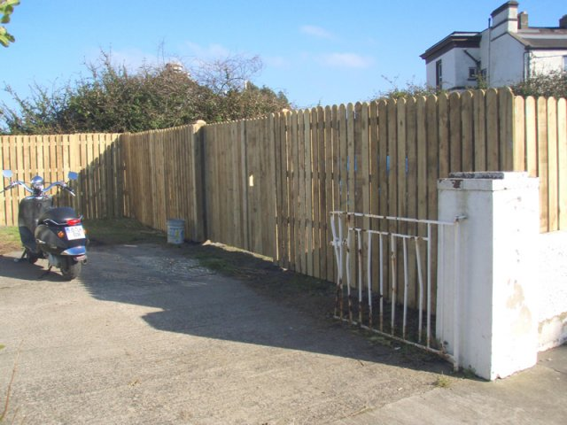 6ft High Hit & Miss Fence with Closed Picket Double Gate
