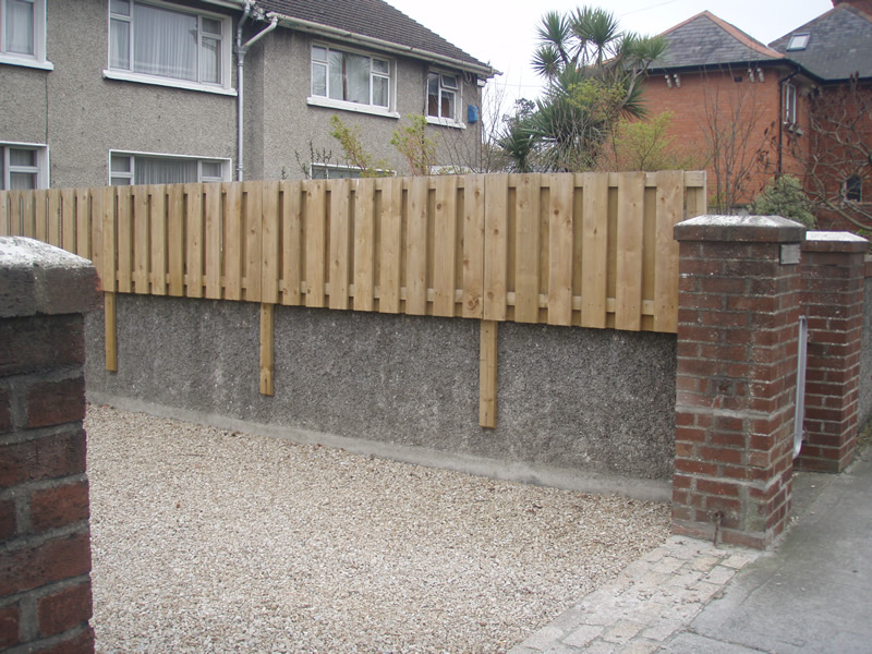 Fence On Top Of Wall New House Designs